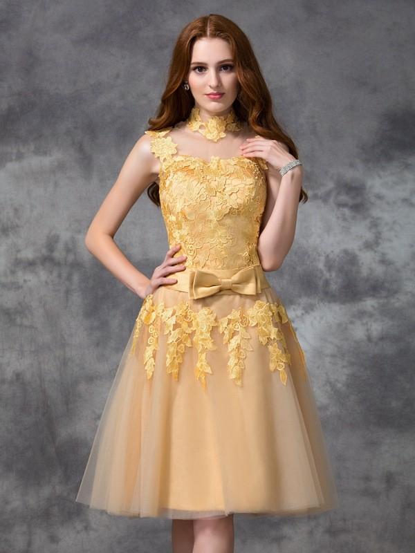 A-line/Princess High Neck Applique Sleeveless Short Lace Cocktail Dresses