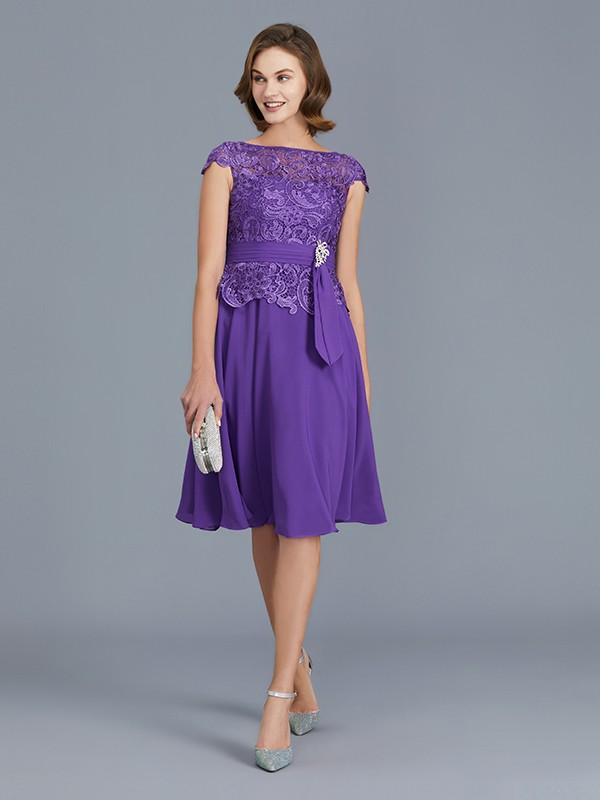 A-Line/Princess Bateau Chiffon Knee-Length Beading Sleeveless Mother of the Bride Dresses