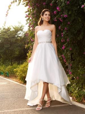 A-Line/Princess Sweetheart Beading Sleeveless High Low Organza Wedding Dresses