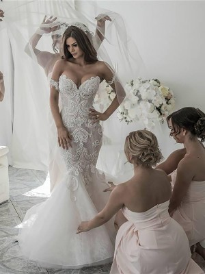 Trumpet/Mermaid Chapel Train Off-the-Shoulder Tulle Sleeveless Wedding Dresses
