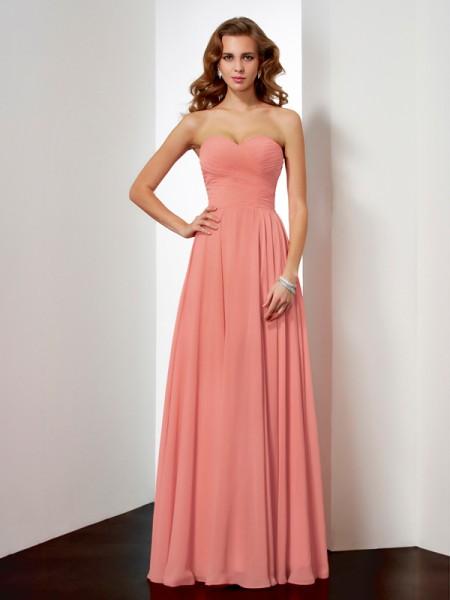 A-Line/Princess Sleeveless Sweetheart Pleats Long Chiffon Dresses