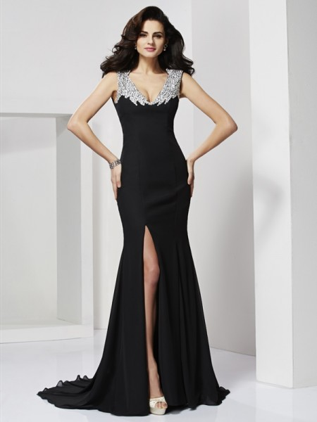 A-Line/Princess Straps Sleeveless Long Chiffon Beading Dresses