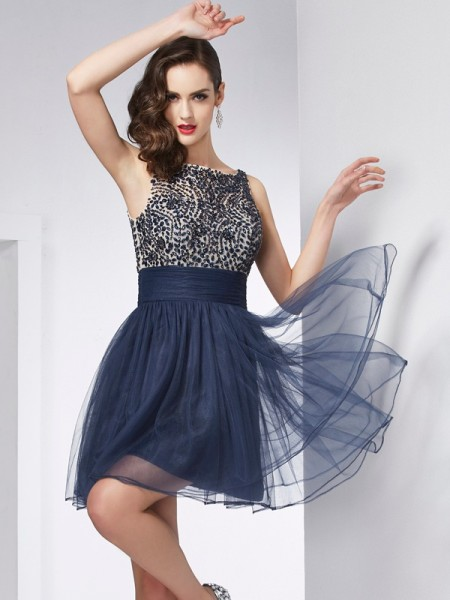 Sheath/Column Bateau Sleeveless Beading Short Tulle Homecoming Dresses