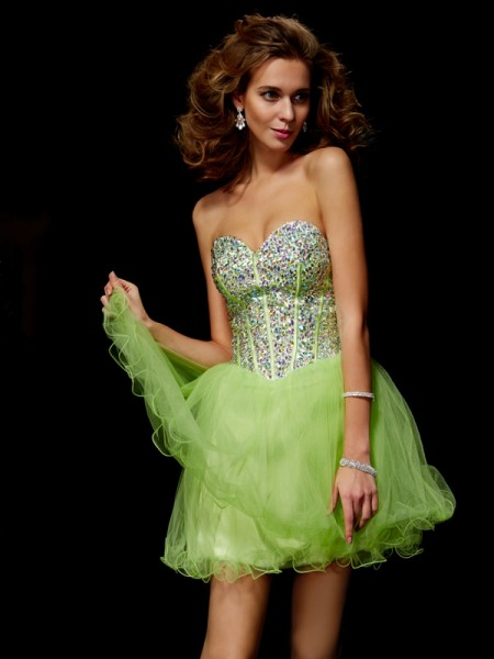 A-Line/Princess Sweetheart Sleeveless Sequin Beading Short Elastic Woven Satin Homecoming Dresses
