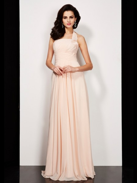 A-Line/Princess Halter Sleeveless Pleats Long Chiffon Dresses