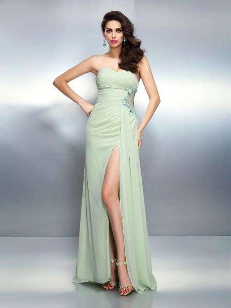 A-Line/Princess Sweetheart Pleats Sleeveless Long Chiffon Dresses