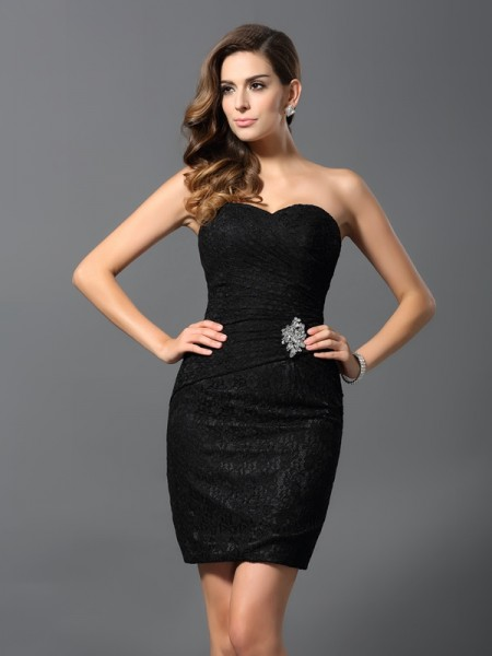 Sheath/Column Sweetheart Rhinestone Sleeveless Short Lace Cocktail Dresses