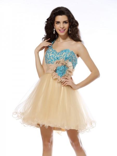 A-Line/Princess One-Shoulder Applique Sleeveless Short Net Cocktail Dresses