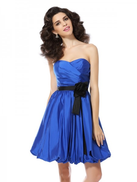A-Line/Princess Sweetheart Hand-Made Flower Sleeveless Short Taffeta Cocktail Dresses