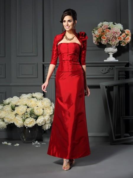 A-Line/Princess Strapless Hand-Made Flower Sleeveless Long Taffeta Mother of the Bride Dresses