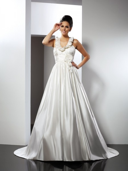 A-Line/Princess Halter Hand-Made Flower Sleeveless Long Satin Wedding Dresses