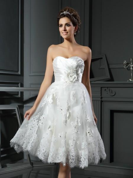 A-Line/Princess Sweetheart Ruched Sleeveless Short Satin Wedding Dresses