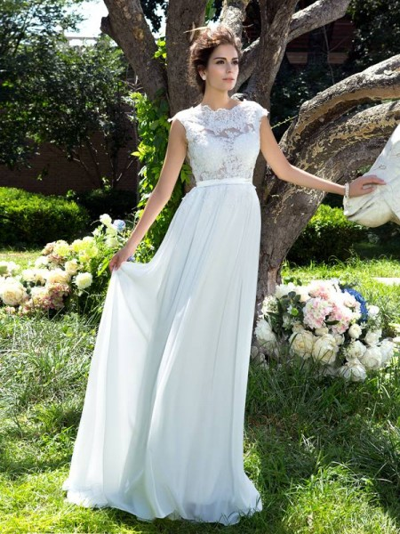 A-Line/Princess Scoop Sleeveless Applique Long Chiffon Dresses