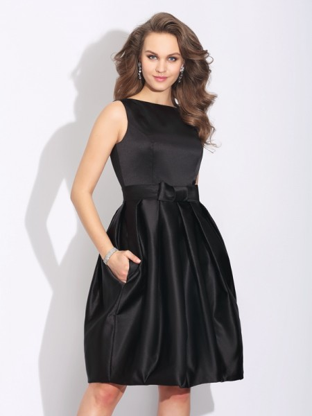 A-Line/Princess Bateau Bowknot Sleeveless Short Satin Dresses