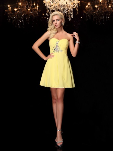 A-Line/Princess Sweetheart Rhinestone Sleeveless Short Chiffon Dresses