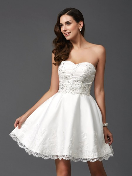A-Line/Princess Sweetheart Beading Sleeveless Short Satin Dresses