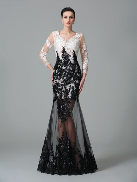 Sheath/Column V-neck Lace 3/4 Sleeves Long Net Dresses