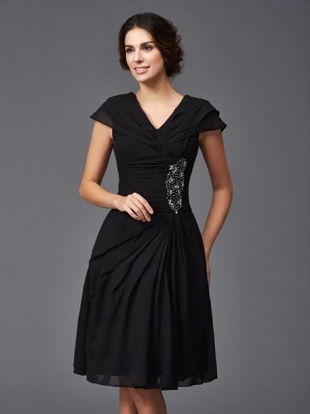 A-Line/Princess V-neck Beading Sleeveless Short Chiffon Mother of the Bride Dresses