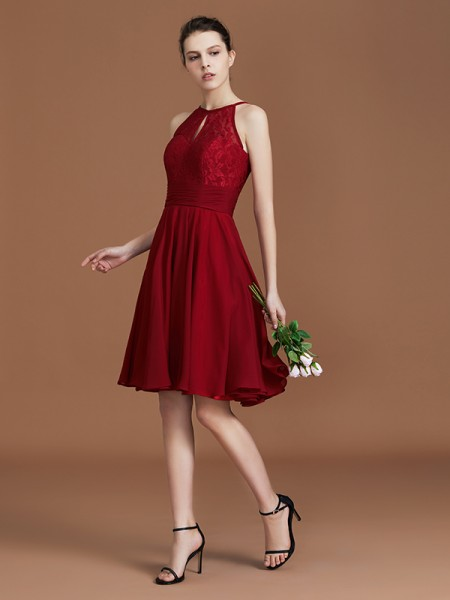 A-Line/Princess Halter Sleeveless Knee-Length Chiffon Lace Bridesmaid Dress