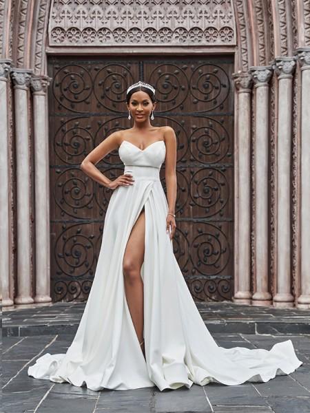 A-Line/Princess Satin Ruffles Sleeveless Sweetheart Court Train Wedding Dresses