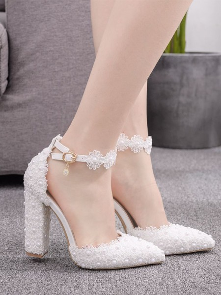 Women's PU Chunky Heel Closed Toe With Flower High Heels