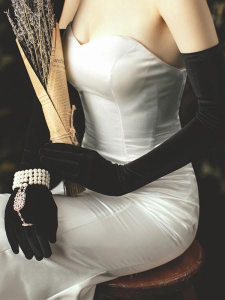 Elegant Velvet Opera Length Wedding Gloves
