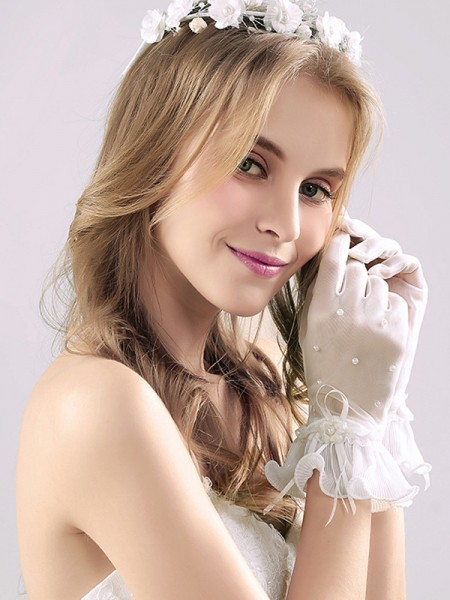 Fashion Tulle With Pearl Wrist Length Wedding Gloves