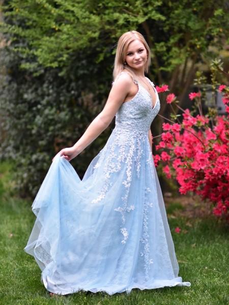 A-Line/Princess Applique Tulle Floor-Length V-neck Sleeveless Dresses