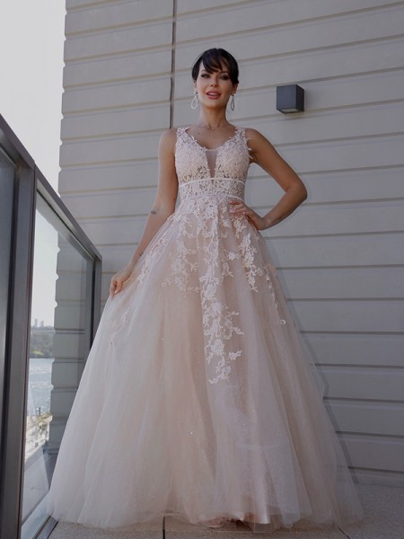A-Line/Princess Tulle Applique Scoop Sleeveless Sweep/Brush Train Dresses