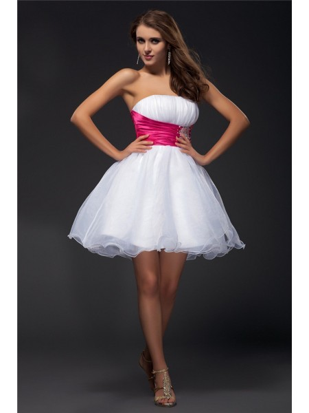 A-Line/Princess Strapless Sleeveless Beading Sash Short Organza Elastic Woven Satin Cocktail Dresses