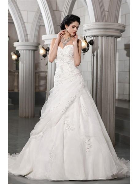 A-Line/Princess Sweetheart Sleeveless Beading Applique Long Organza Wedding Dresses