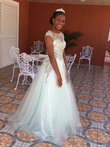 A-Line/Princess Bateau Sleeveless Floor-Length Applique Tulle Dresses