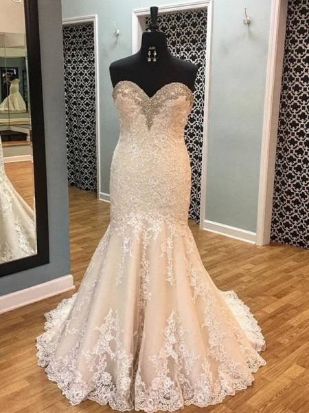 Trumpet/Mermaid Applique Sleeveless Tulle Sweetheart Court Train Wedding Dresses