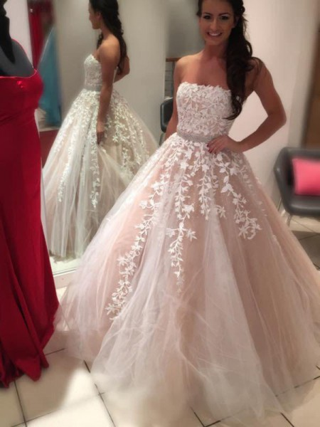Ball Gown Strapless Sleeveless Court Train Applique Tulle Wedding Dresses