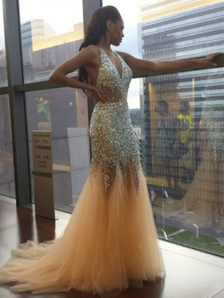 Trumpet/Mermaid Halter Sleeveless Tulle Sequin Court Train Dresses