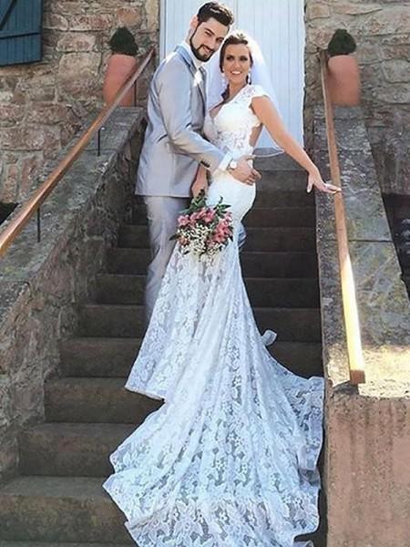 Trumpet/Mermaid Sweetheart Lace Sleeveless Court Train Wedding Dresses
