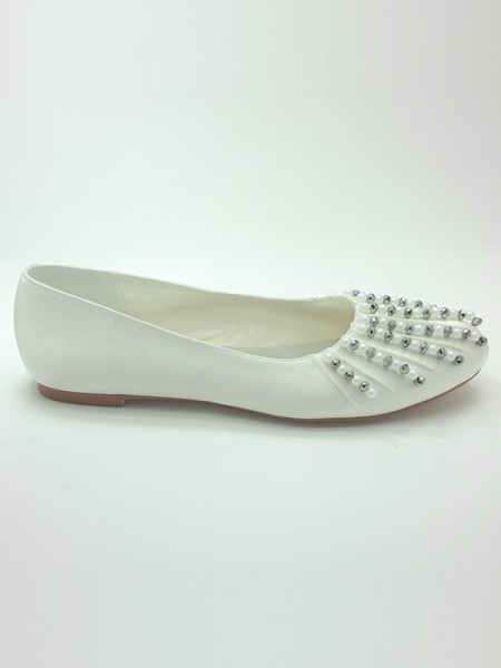 Women's Satin Closed Toe Flat Heel Beading Wedding Shoes