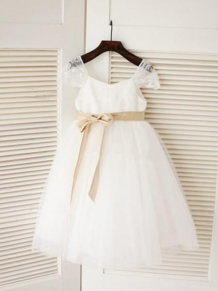 Ball Gown Scoop Sleeveless Sash/Ribbon/Belt Long Tulle Dresses