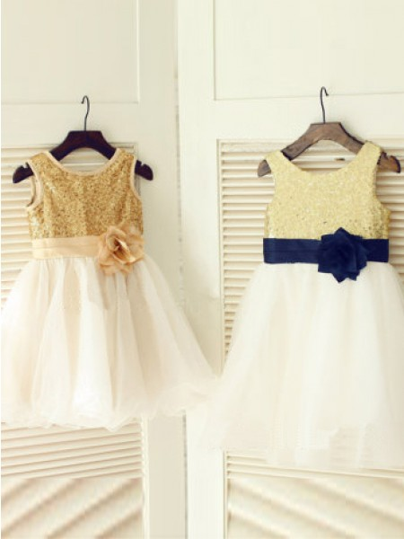 A-line/Princess Scoop Sleeveless Hand-Made Flower Long Tulle Dresses